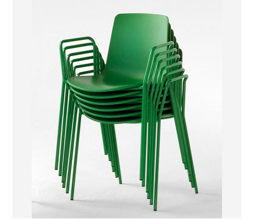 Silla lottus enea con brazos sillas mesas y taburetes for Sillas con brazos para cocina